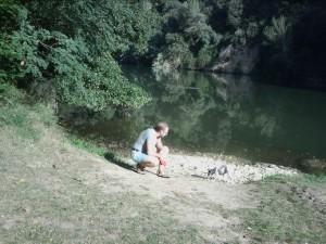 Bij rivier